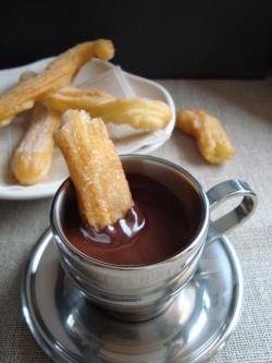 Churros_and_hot_chocolate_3